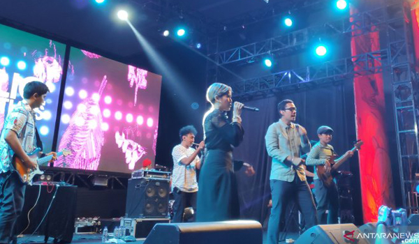 soundrenaline-jadi-ajang-maliq-dessentials-promosi-single-baru